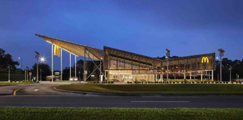 A partir de vidrio fotovoltaico McDonald's inaugura su primer restaurante cero emisiones
